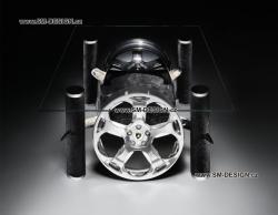 Lamborghini Gallardo - stůl s vůní benzínu (rohy)