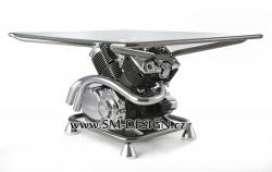 Yamaha DragStar - stůl s vůní benzínu